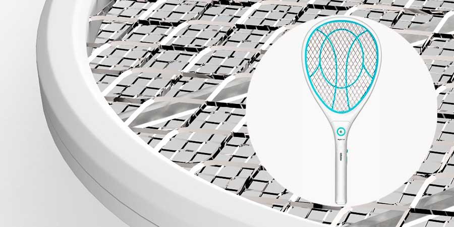 Raqueta eléctrica antimosquitos y detalle de la malla reforzada